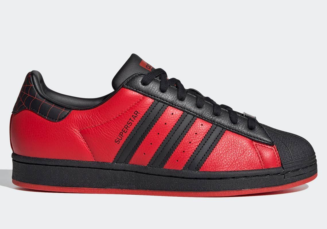 Adidas-Superstar-Spider-Man-Miles-Morales-On-Foot-Side-View