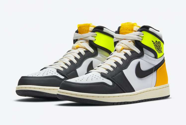 Air-Jordan-1-High-OG-Volt-Gold-Full-View