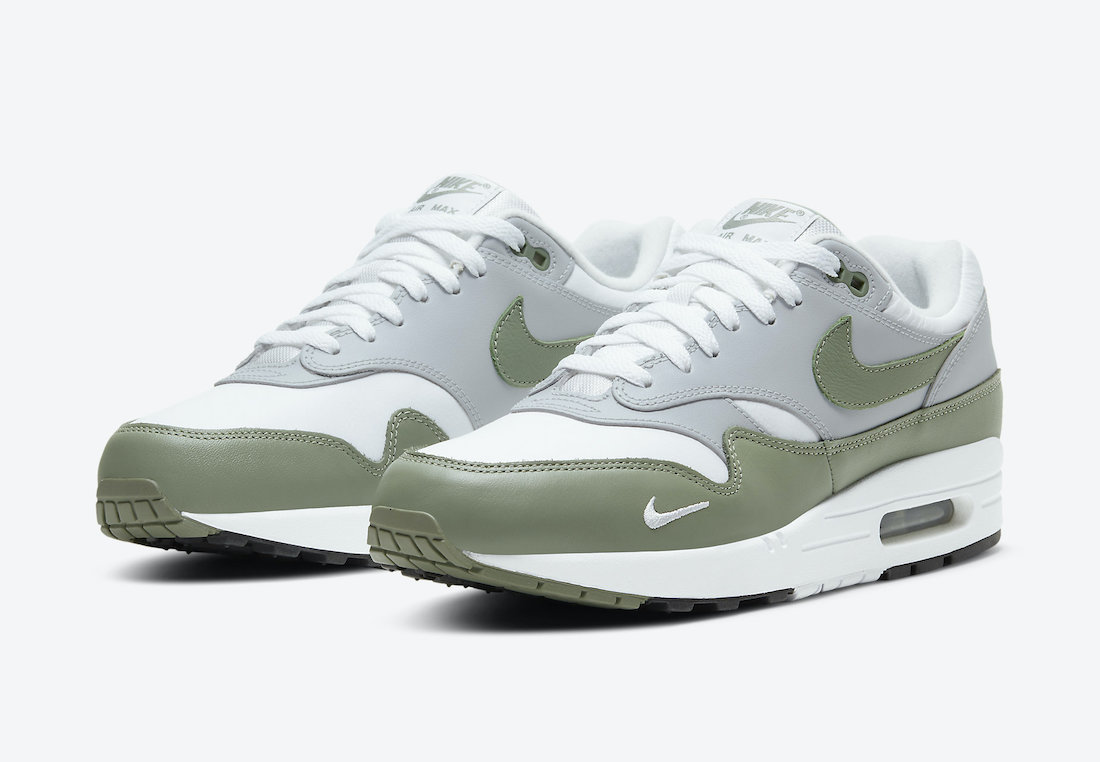 Nike-Air-Max-1-Spiral-Sage-Complete-View