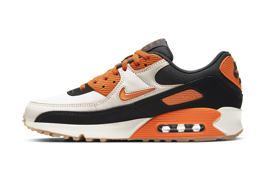 Nike air max 90 safety orange lateral view
