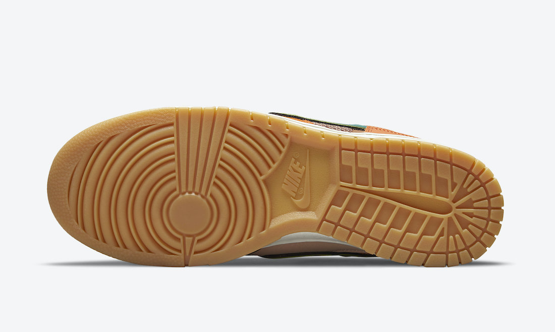 Nike Dunk Low Scrap Archeo Brown Outsole