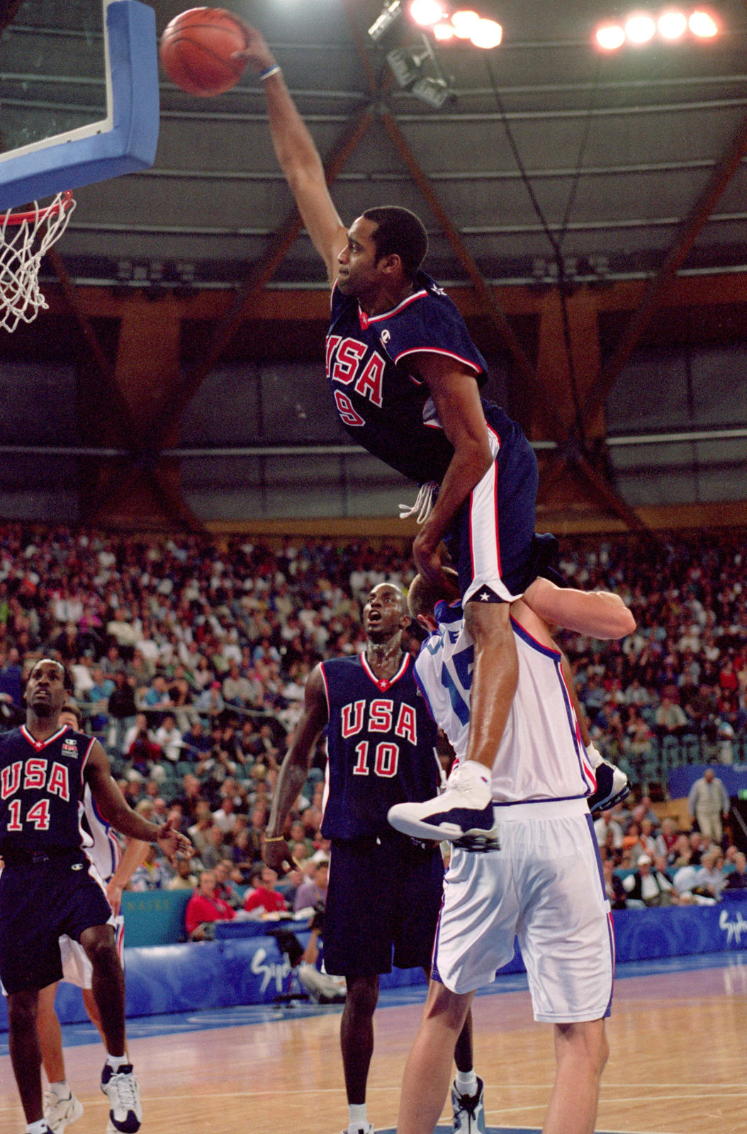 Vince Carter's famous dunk in Sydney